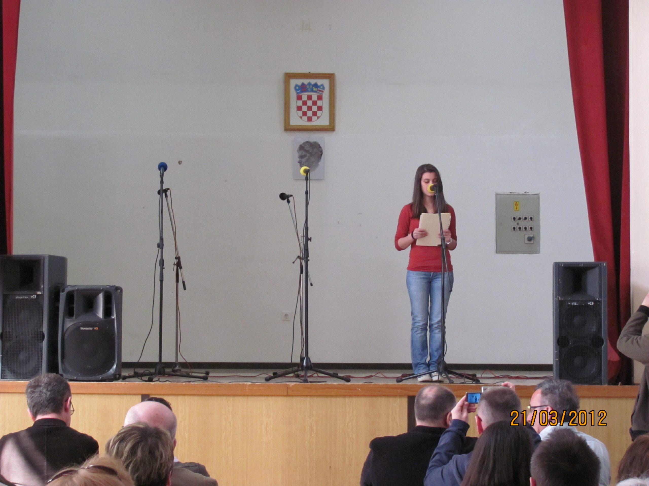 Lukovdol Mateja čita poeziju na središnjoj svečanosti