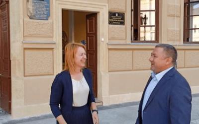 Župan Damir Dekanić obišao zgradu vinkovačke Gimnazije te uputio učenicima čestitku povodom početka nove školske godine